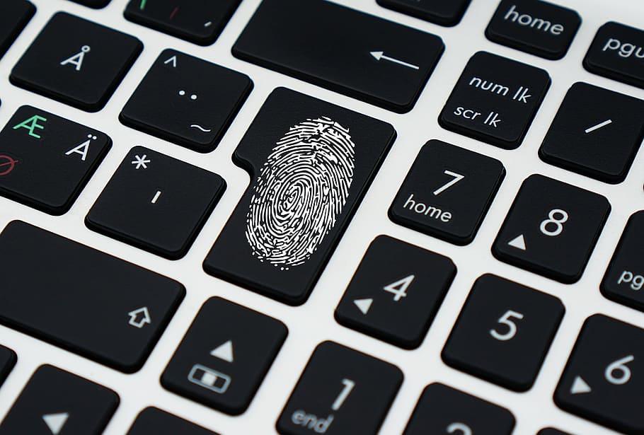 identidad personal en Internet